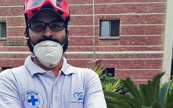 Người đàn ông may mắn thoát chết trong vụ rơi máy bay Pakistan vì lỗi hệ thống đặt vé online