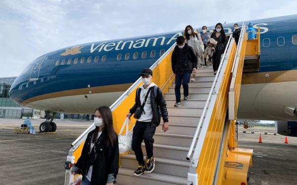 Hơn 300 công dân Việt Nam ở châu Âu, châu Phi trở về nước an toàn