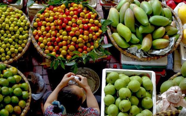 Trái cây Thái Lan tràn ngập chợ Việt