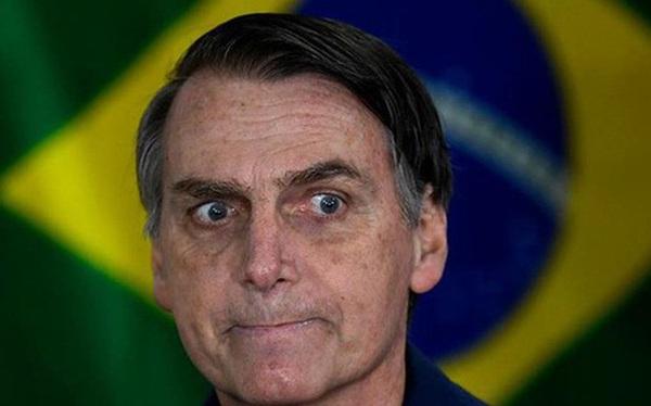 """Tuần đen tối ở Brazil chứng tỏ COVID-19 không phải là """"cúm nhẹ"""" như tổng thống tuyên bố"""