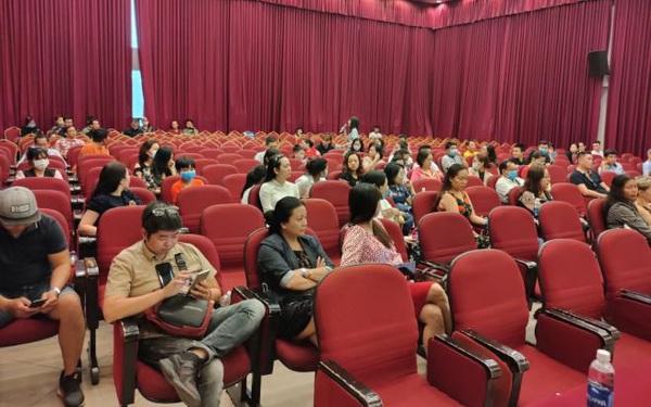 Phụ huynh thuê công ty luật, quyết khởi kiện Trường Việt Úc