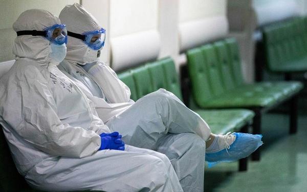 Nga: 3 bác sĩ ngã từ cửa sổ bệnh viện giữa lúc căng thẳng chống dịch COVID-19