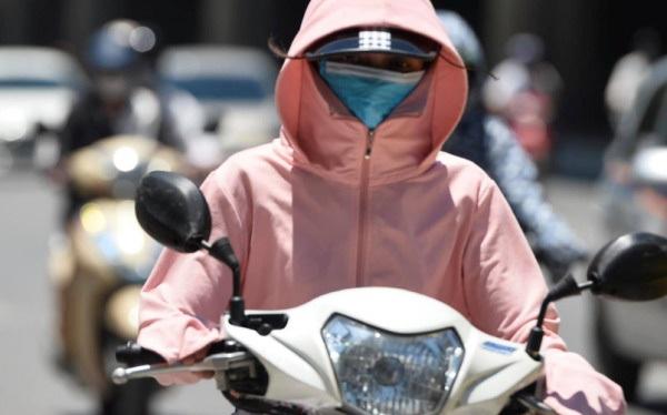 Hôm nay, chỉ số tia UV ở Hà Nội ở mức gây hại cao đến rất cao đối với cơ thể con người