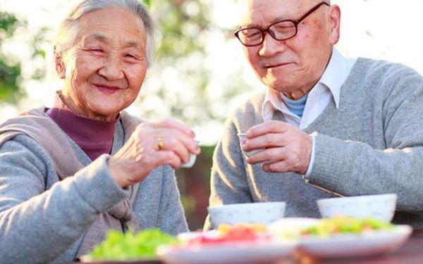 Độ tuổi vàng trong bí quyết dưỡng sinh: Kiên trì bớt 2 trắng, 3 không ham và mang theo 4 chữ, đảm bảo sống thọ trăm tuổi