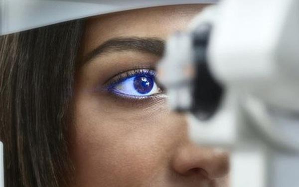 """Nếu phát hiện những """"dấu hiệu báo động""""dưới đây, bạn cần đi khám mắt càng sớm càng tốt"""