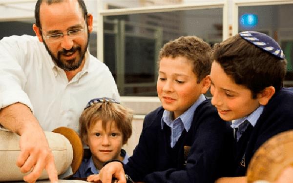 10 bài học giáo dục kinh điển của người Do Thái và cách họ bồi dưỡng ra thế hệ ưu tú tiếp theo