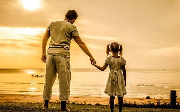 Cha gửi con gái nhỏ 9 bài học về tiền bạc và cuộc sống ông đã