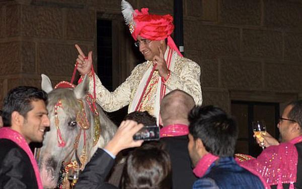 Tỷ phú giàu nhất nhì thế giới mạnh tay vung gần 1.500 tỷ đồng cho con gái làm đám cưới, 7 năm sau hôn lễ là kết cục không ai ngờ