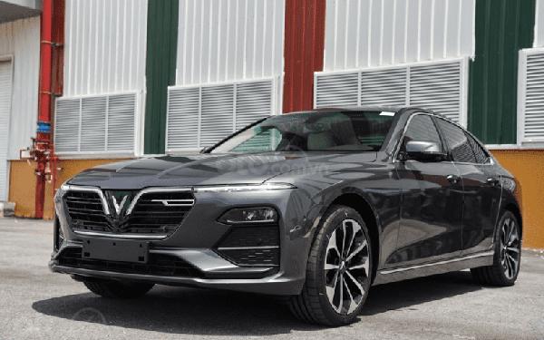 VinFast bất ngờ miễn phí toàn bộ phí trước bạ cho khách mua hai dòng xe Lux, giá xe sẽ giảm trực tiếp 113-223 triệu đồng