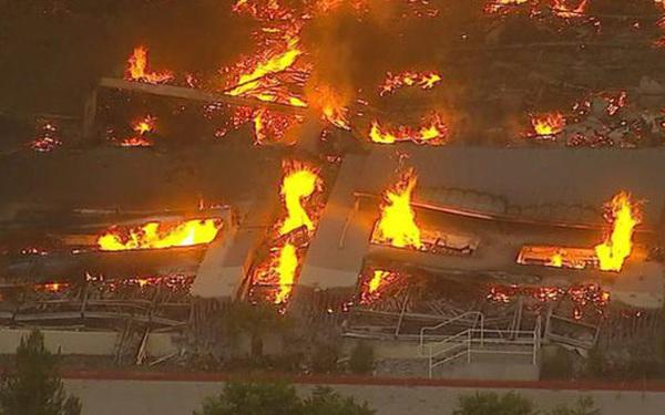 Hỏa hoạn cấp độ 3 xảy ra tại nhà kho của Amazon, gây thiệt hại nặng nề