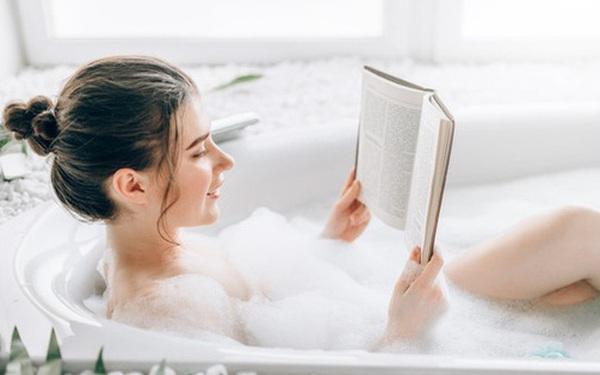 Chuẩn bị đi tắm mà có dấu hiệu này, bạn phải dừng lại ngay nếu không muốn đột tử
