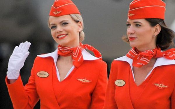 Góc khuất ít ai biết của nghề tiếp viên hàng không: Bị quấy rối tình dục, cơ thể lão hóa nhanh và những cuộc tình chớp nhoáng