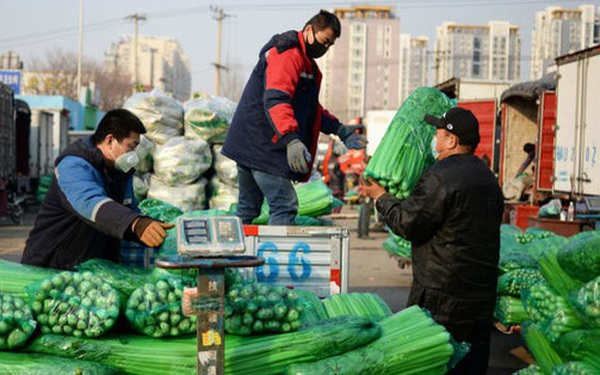 Mưa lũ ở Trung Quốc làm tồi tệ thêm cuộc khủng hoảng giá thực phẩm sau cú sốc Covid-19