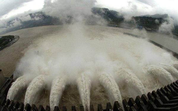 Đập Tam Hiệp càng ngâm nước càng chắc chắn trong 100 năm?
