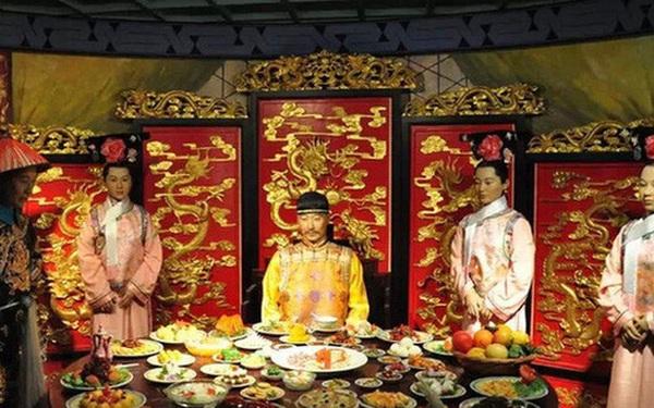 """Hoàng đế nhà Thanh tiêu tốn """"núi vàng"""" cho ngự thiện, 120 món chỉ nấu bằng nguồn nước quý giá này"""