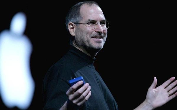 Trốn học, quậy phá đến mức bị đuổi học, cha của Steve Jobs chỉ nói 1 câu với nhà trường nhưng đủ để phát triển tố chất thiên tài của ông