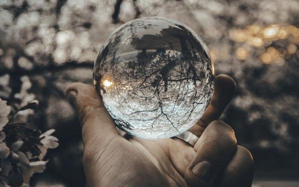 Chỉ với 1 nguyên tắc duy nhất, cuộc đời của bạn có thể xoay chuyển: Đừng cố thay đổi thế giới, nhiệm vụ lớn nhất là thay đổi chính mình