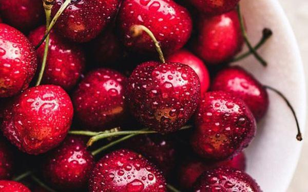 Trong quả cherry có 1 bộ phận cực độc: Khi ăn phải cẩn thận lược bỏ, nếu không có thể gây ngộ độc nặng dẫn đến tử vong