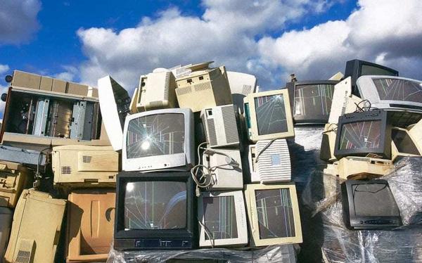 Năm 2019, thế giới thải 53.6 triệu tấn rác điện tử