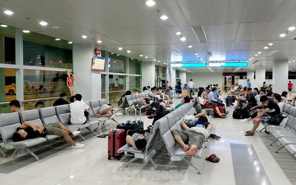 Bộ GTVT cấm bán vé chuyến bay không được cấp giờ bay rồi dồn chuyến