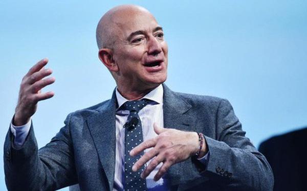 Nếu phải đưa ra quyết định quan trọng, hãy nghe theo Jeff Bezos : 'Đừng làm theo lý trí'