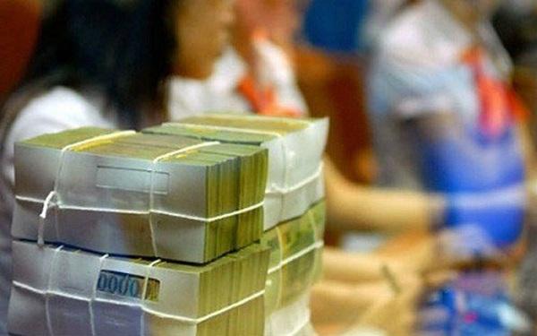 Các ngân hàng lớn tiếp tục giảm lãi suất gửi tiết kiệm