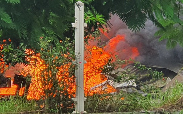 Ảnh: Hiện trường vụ cháy tại khu công nghiệp Yên Phong, Bắc Ninh