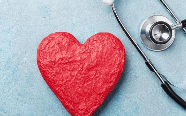 Cứ 37 giây lại có người chết vì bệnh tim mạch, nhưng bạn có thể giảm tới 80% nguy cơ mắc bệnh nếu thực hiện 11 thói quen này trong mùa hè