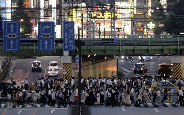 Bloomberg: Tự tin vào hệ thống y tế tốt, Nhật Bản đang chịu hậu quả từ làn sóng dịch Covid-19 thứ 2