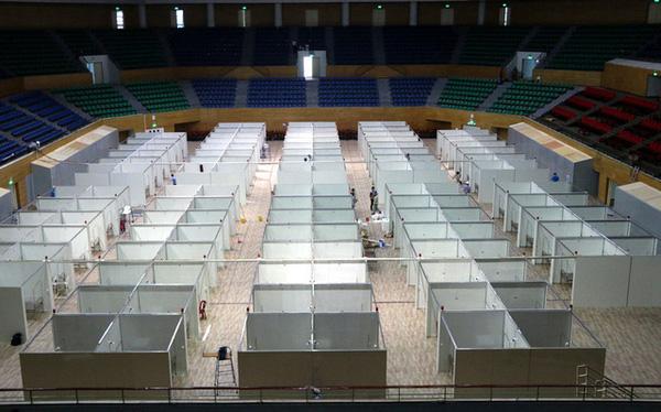 """Hình ảnh bệnh viện dã chiến tại Đà Nẵng cơ bản hoàn thành sau 72h thi công """"thần tốc"""""""