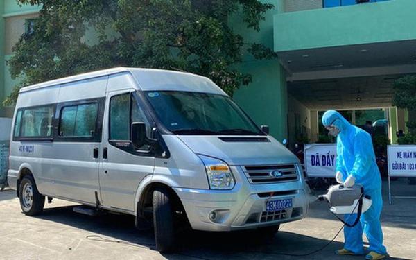Lịch trình dày đặc của bệnh nhân 727: Đi Quảng Trị trao quà từ thiện, ăn sáng và uống cafe tại Quảng Bình, đi ăn phở tại Hà Nội