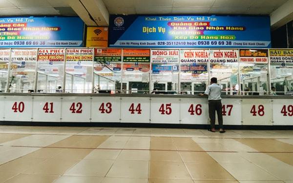 """2 bến xe lớn nhất Sài Gòn """"ngấm đòn"""" Covid-19, nhà xe hạ giá vé vì ế khách trong dịp nghỉ lễ Quốc khánh"""