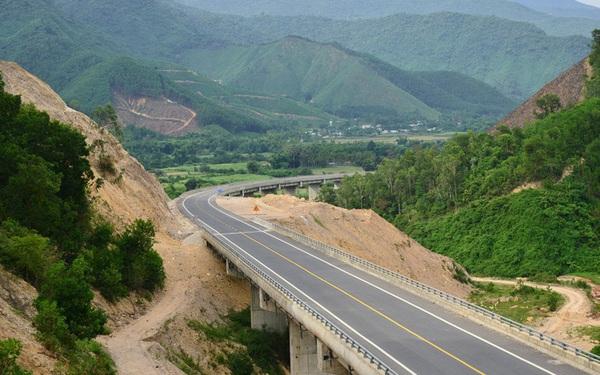 """Thủ tướng """"chốt"""" hạn chót giải phóng mặt bằng các dự án sân bay Long Thành, cao tốc Bắc - Nam"""