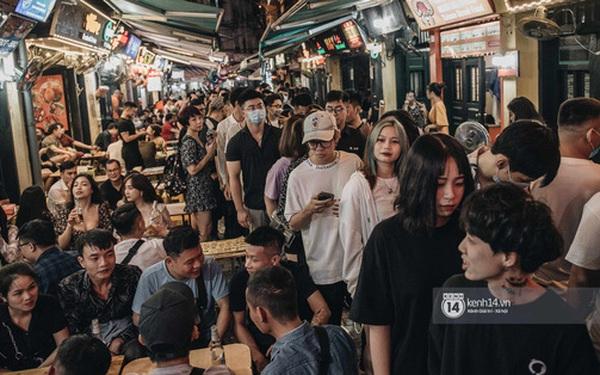 Hà Nội: Các quán bar tại Tạ Hiện quá đông ngày hoạt động trở lại, quận Hoàn Kiếm yêu cầu tạm dừng hoạt động, bổ sung các biện pháp phòng chống dịch