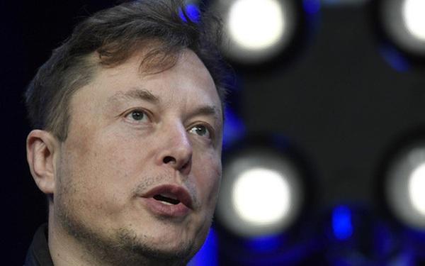 Cổ phiếu Tesla giảm 7% sau khi CEO Elon Musk nói kết quả chương trình đổi mới sẽ đến sau 3 năm