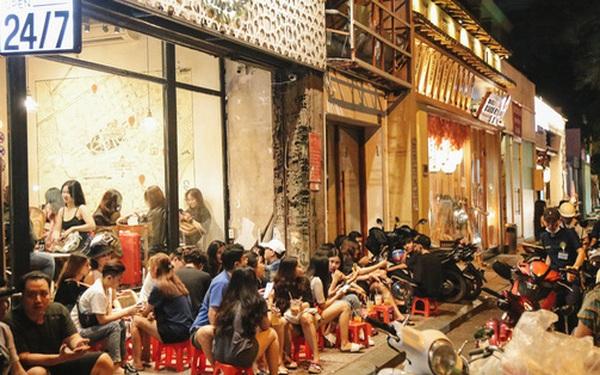 Nhiều quán cafe thâu đêm ở Sài Gòn chật kín khách: Sức chi tiêu của người Việt về đêm đâu kém du khách quốc tế!