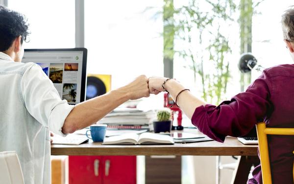 Những kiểu đồng nghiệp bạn không nên kết giao chốn công sở