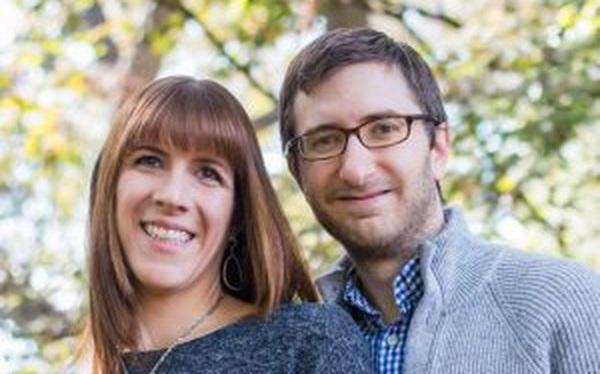 Học hỏi bí quyết kiếm 1 triệu đô trong 5 năm nhờ công việc tay trái - kinh doanh bất động sản của cặp vợ chồng người Mỹ
