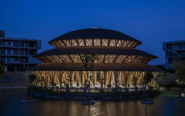 Kiến trúc choáng ngợp của nhà hàng tại rừng Cúc Phương: 100% bằng tre, mái vòm nguy nga như lâu đài