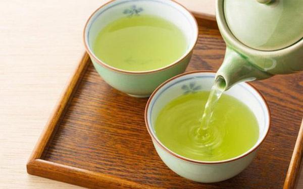 """10 """"tác dụng phụ"""" đáng sợ khi dùng trà xanh không đúng cách"""