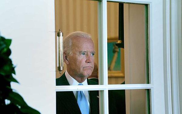 Chính quyền Tổng thống Joe Biden bị kiện sau chưa đầy 50 giờ nhậm chức