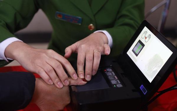 Mẫu thẻ căn cước công dân gắn chip quy định như thế nào?