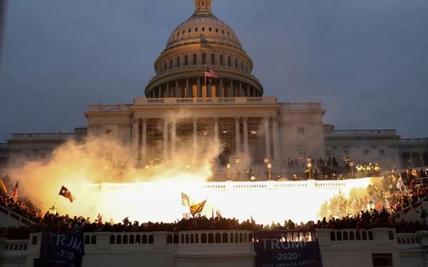 """""""Mất mặt"""": Hàng loạt lãnh đạo và nguyên thủ thế giới thất vọng trước """"sự sụp đổ của nền dân chủ Mỹ"""""""