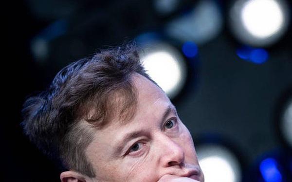 Elon Musk: Từ một đứa trẻ bị bắt nạt, nguồn cảm hứng cho Iron man, đến người giàu nhất hành tinh