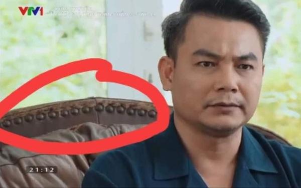 Mách bạn cách vệ sinh sofa da đúng cách, hạn chế tình trạng bong tróc nổ như nhà ông Khang trong Hương vị tình thân