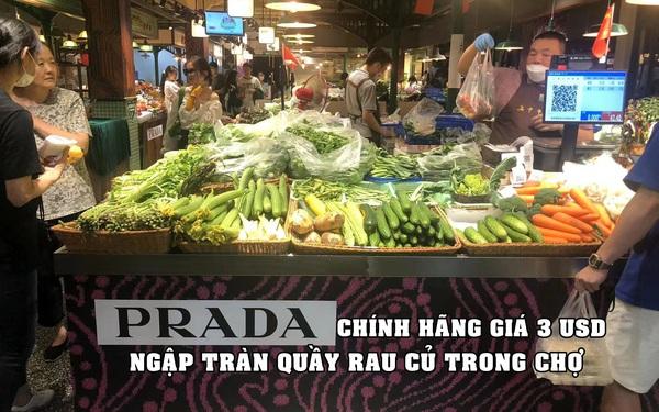 Chiến dịch marketing 'xâm chiếm' của Prada: Phân phối túi chính hãng giá 3 USD trong chợ, người dân ùn ùn kéo đến 'check-in', mua hàng