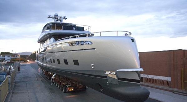 Tác động của Covid: Ai nghèo cứ nghèo, giới đại gia điên cuồng mua sắm du thuyền nghỉ dưỡng tăng cao kỉ lục