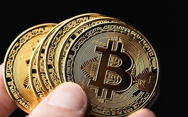 """Giá Bitcoin """"xuyên thủng"""" ngưỡng 58.000 USD/đồng"""