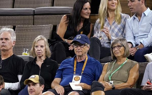"""Tỷ phú Bill Gates công khai xuất hiện bên """"kẻ thứ 3"""" sau khi ly hôn, vợ cũ của ông có màn đáp trả sâu cay"""