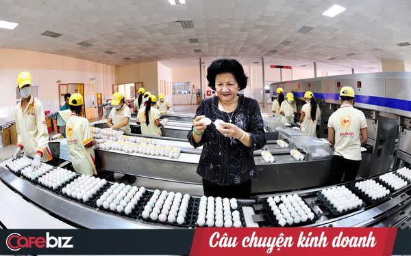 Bà Ba Huân nói về quyết định từ chối tăng giá trứng kiếm thêm 6 tỷ đồng/tháng: Thành phố đang khó khăn như thế, mà mình 'té nước theo mưa' thì đâu có đặng!